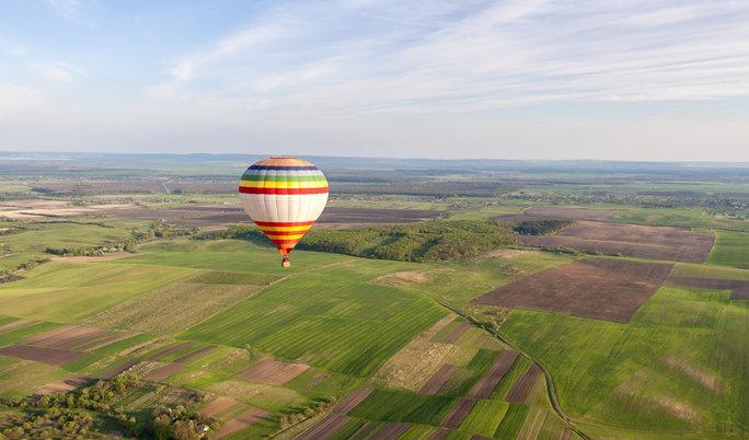 Ballonfahrt mit blauem Himmel Grafing
